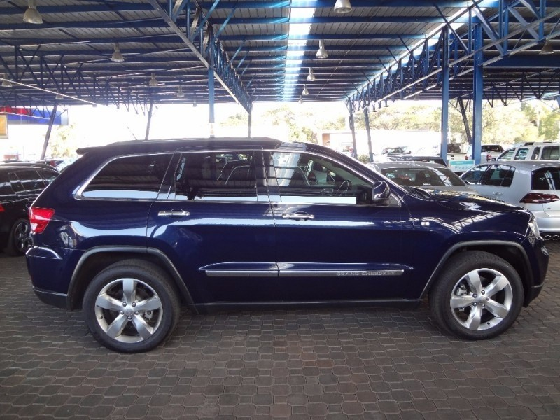 used jeep grand cherokee 3 6 overland for sale in gauteng id 2273084. Black Bedroom Furniture Sets. Home Design Ideas