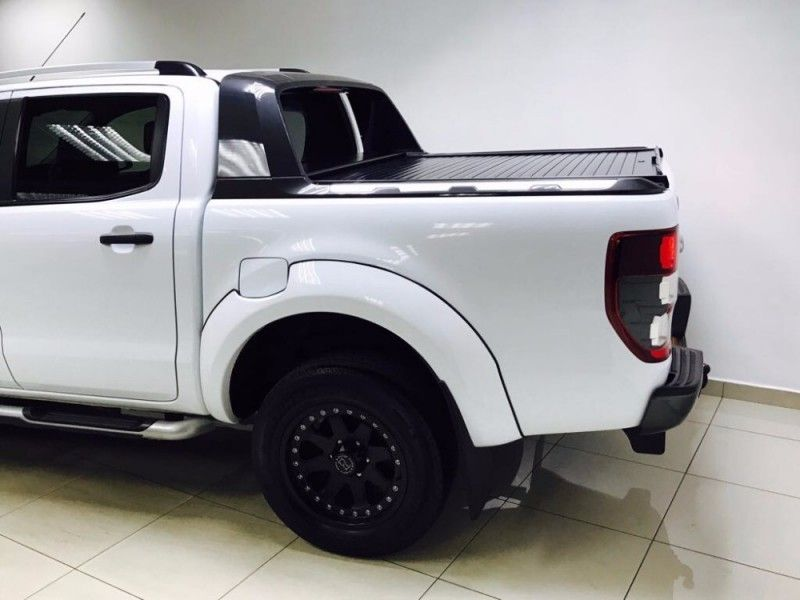 used ford ranger wildtrak raptor 3 2 tdci auto 4x2 navi 48000kms for sale in gauteng. Black Bedroom Furniture Sets. Home Design Ideas