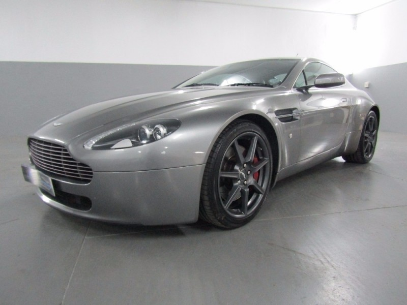 used aston martin vantage coupe for sale in gauteng id 2283364. Black Bedroom Furniture Sets. Home Design Ideas