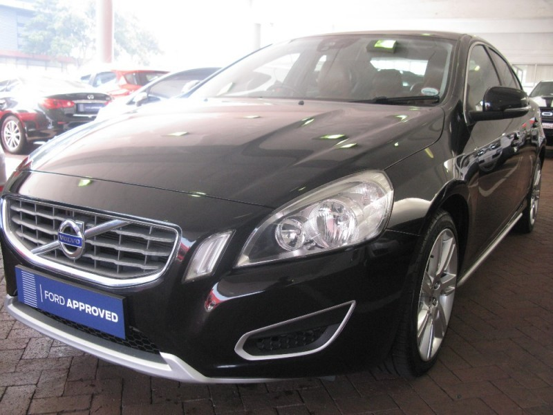 used volvo s60 d5 geartronic for sale in western cape id 2295566. Black Bedroom Furniture Sets. Home Design Ideas