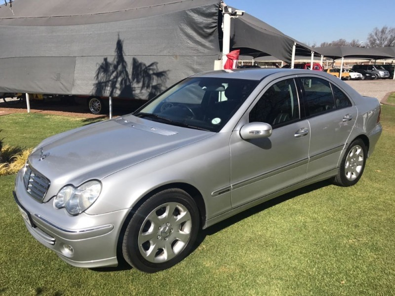 Used mercedes benz c class c320 elegance a t for sale in for 2004 mercedes benz c320
