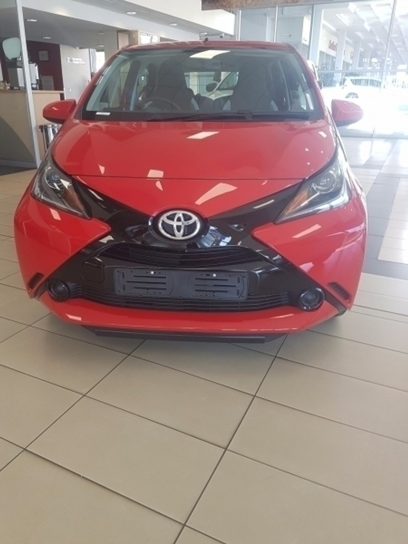 used toyota aygo new 2017 1 0 aygo 46w for sale in. Black Bedroom Furniture Sets. Home Design Ideas