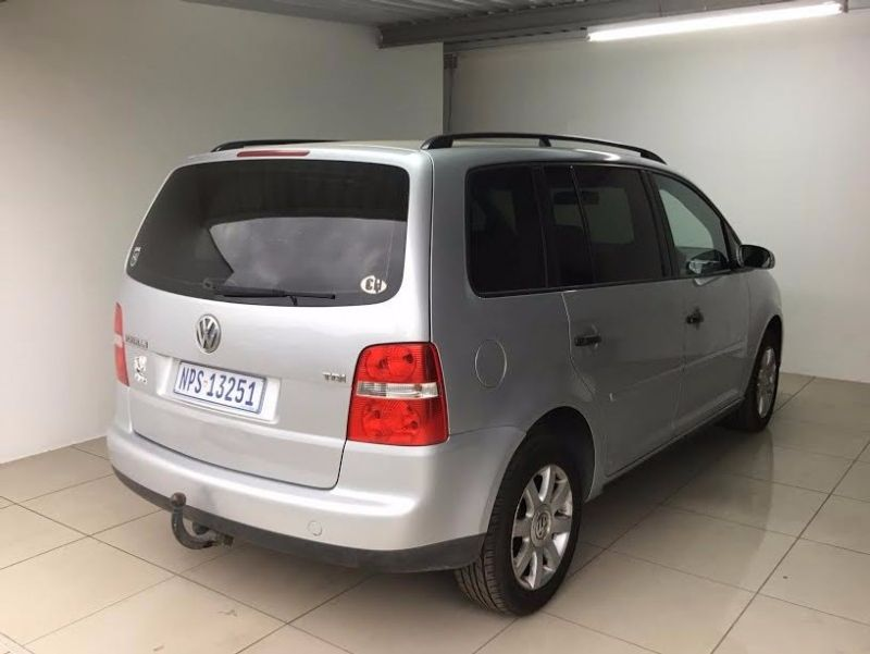 used volkswagen touran 1 9 tdi for sale in kwazulu natal id 2310842. Black Bedroom Furniture Sets. Home Design Ideas