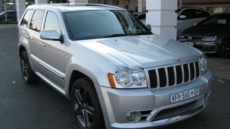 used jeep grand cherokee srt8 for sale in gauteng id 2313470. Black Bedroom Furniture Sets. Home Design Ideas