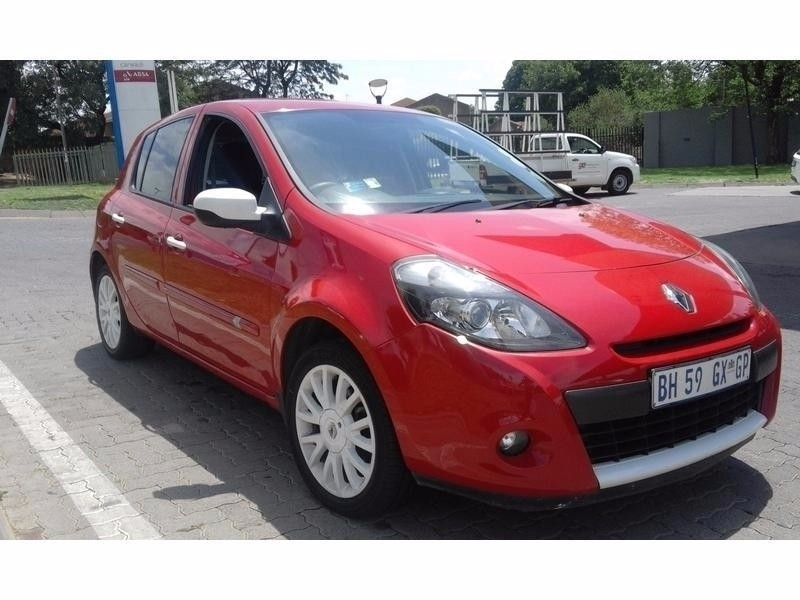 used renault clio iii 1 6 dynamique 5dr for sale in. Black Bedroom Furniture Sets. Home Design Ideas