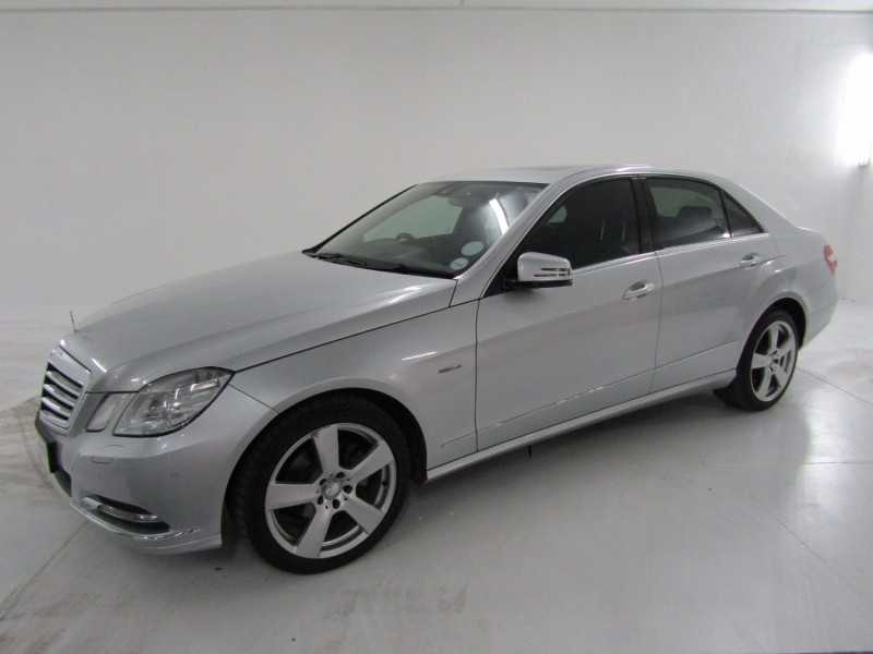 Used mercedes benz e class e 200 cgi be for sale in for How much does a mercedes benz silver lightning cost