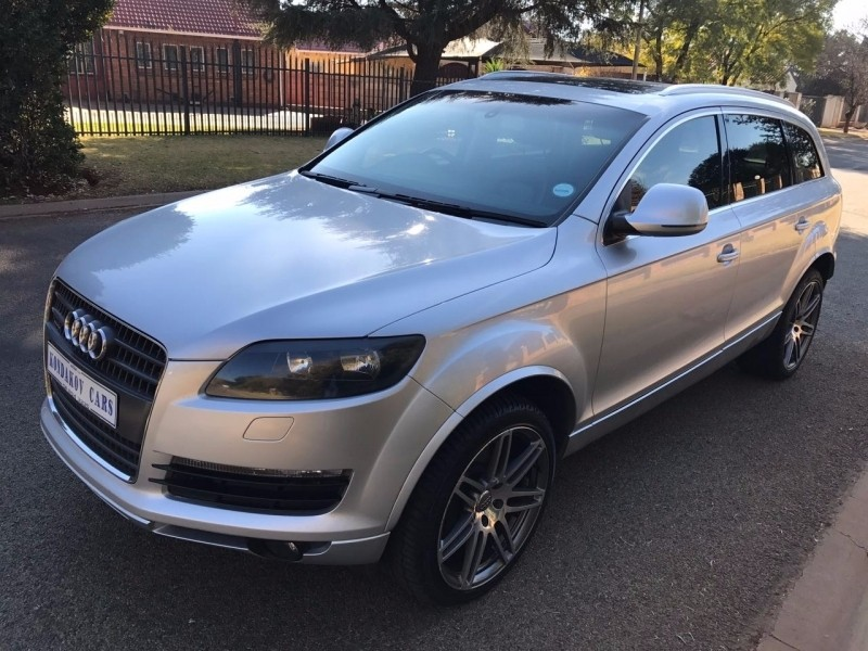 used audi q7 4 2 fsi v8 quattro tip for sale in gauteng id 2380102. Black Bedroom Furniture Sets. Home Design Ideas