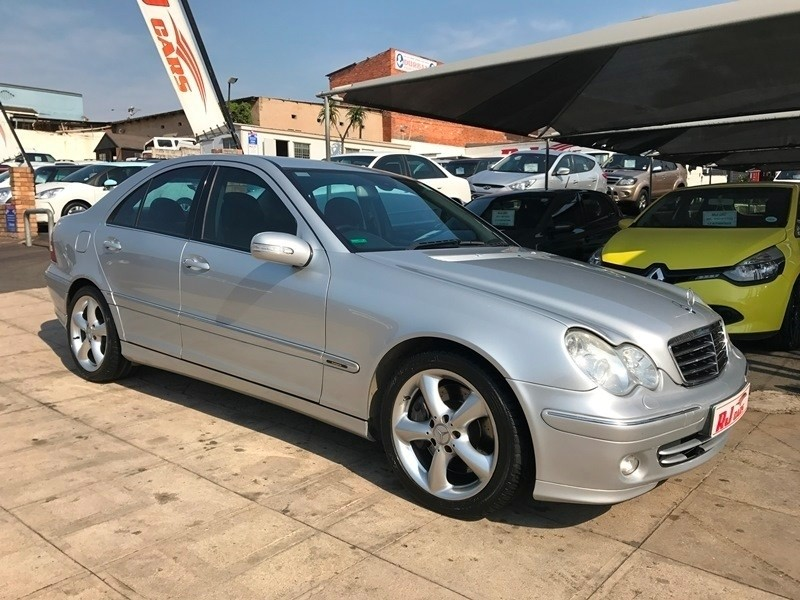 Used mercedes benz c class c180k avantgarde for sale in for Mercedes benz c class 2006 for sale