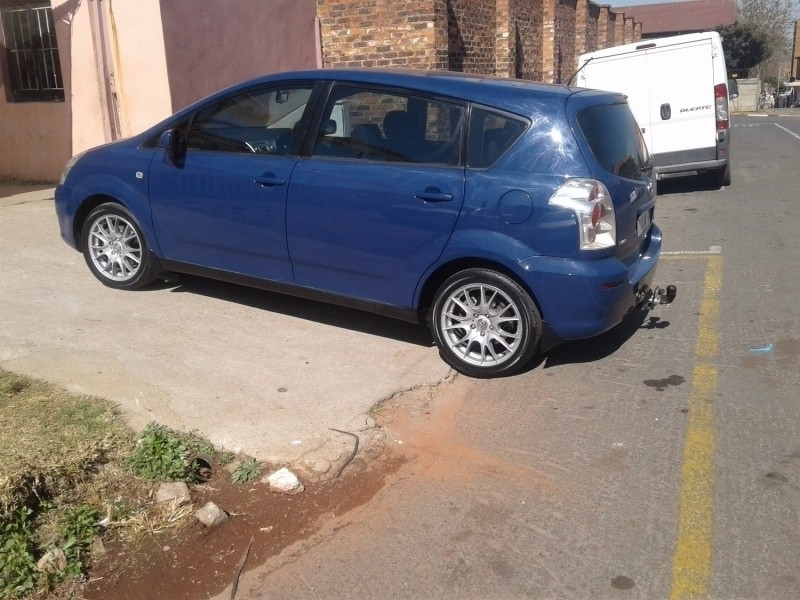 used toyota corolla verso 1 6 for sale in gauteng id 2407986. Black Bedroom Furniture Sets. Home Design Ideas