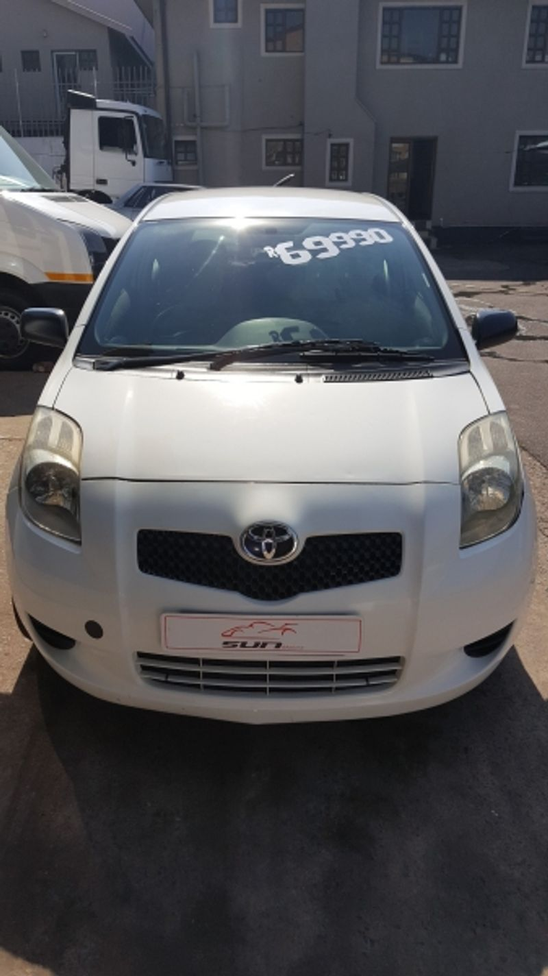 used toyota yaris zen1 3dr for sale in kwazulu natal id 2417568. Black Bedroom Furniture Sets. Home Design Ideas