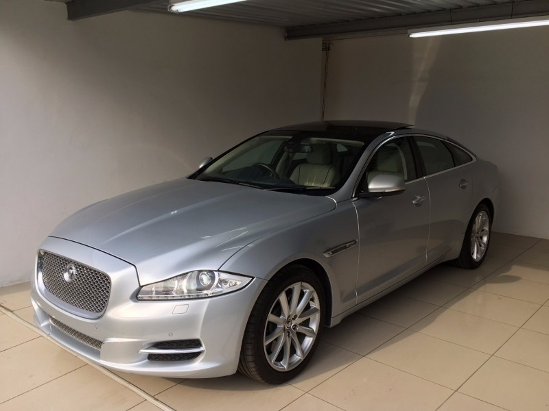 used jaguar xj 3 0d premium luxury for sale in kwazulu natal id 2440206. Black Bedroom Furniture Sets. Home Design Ideas