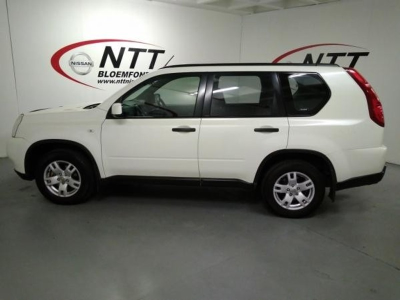 Used Nissan X-trail 2.0d Xe 4x2 (r75) for sale in Free ...