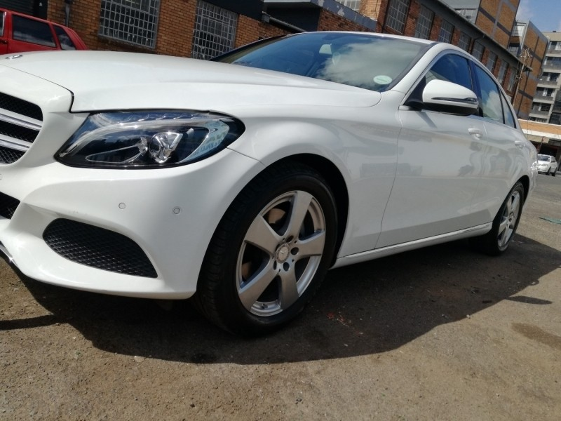 Used mercedes benz c class c 180 elegance a t for sale in for Mercedes benz c class used cars for sale