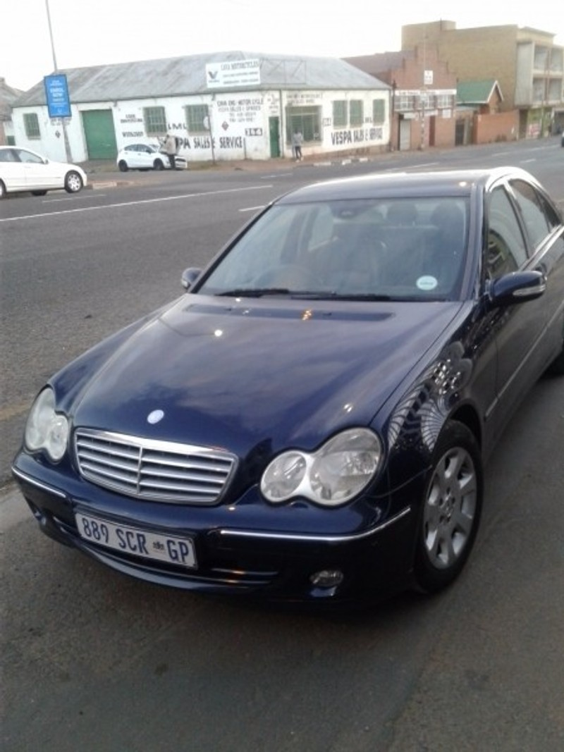 Used mercedes benz c class c 180 elegance a t for sale in for Mercedes benz c class sale