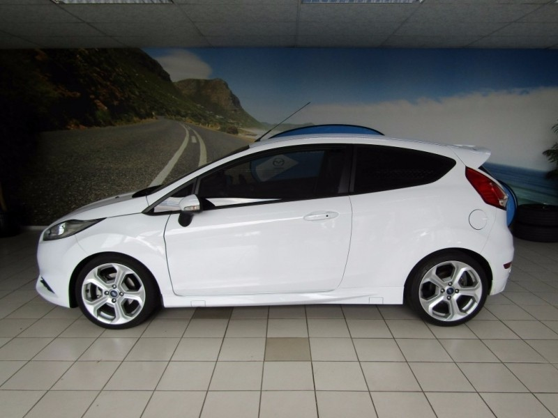 used ford fiesta st 1 6 ecoboost gdti for sale in gauteng id 2452692. Black Bedroom Furniture Sets. Home Design Ideas