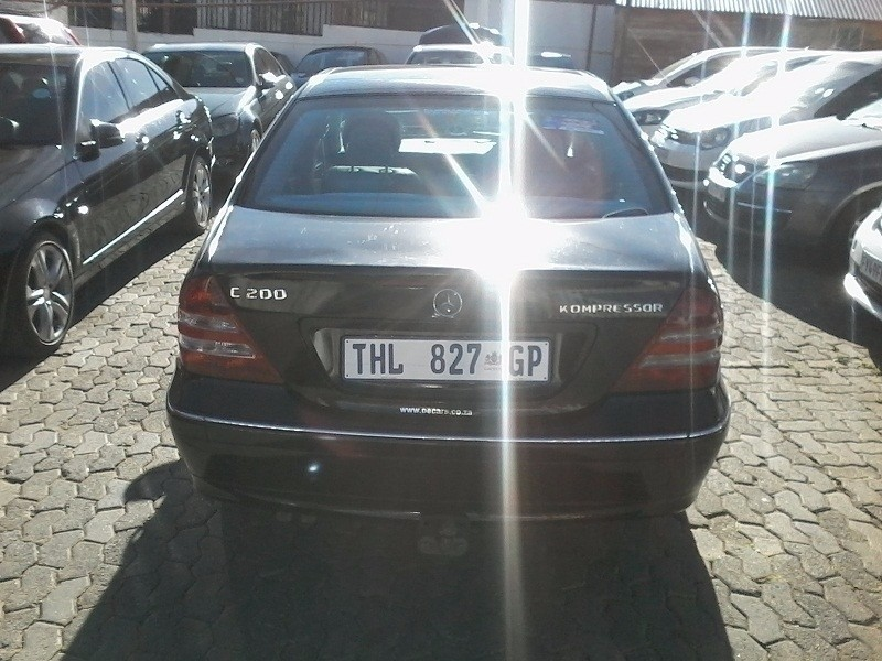 Used mercedes benz c class c 200k manual for sale in for 2006 mercedes benz c class for sale