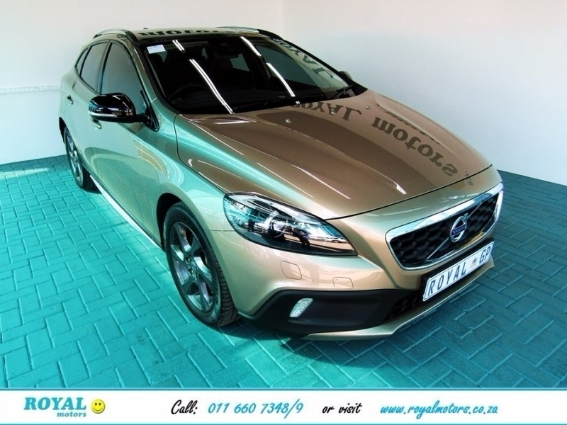 used volvo v40 d3 excel cross country geartronic for sale in gauteng id 2475020. Black Bedroom Furniture Sets. Home Design Ideas