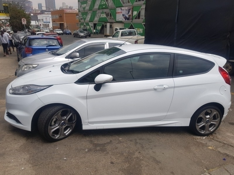 used ford focus rs 2 3 ecosboost awd 5 door for sale in gauteng id 2478138. Black Bedroom Furniture Sets. Home Design Ideas