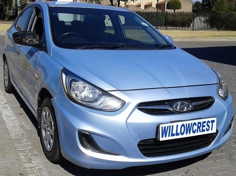used hyundai accent 1 6 gl for sale in gauteng id 2479766. Black Bedroom Furniture Sets. Home Design Ideas