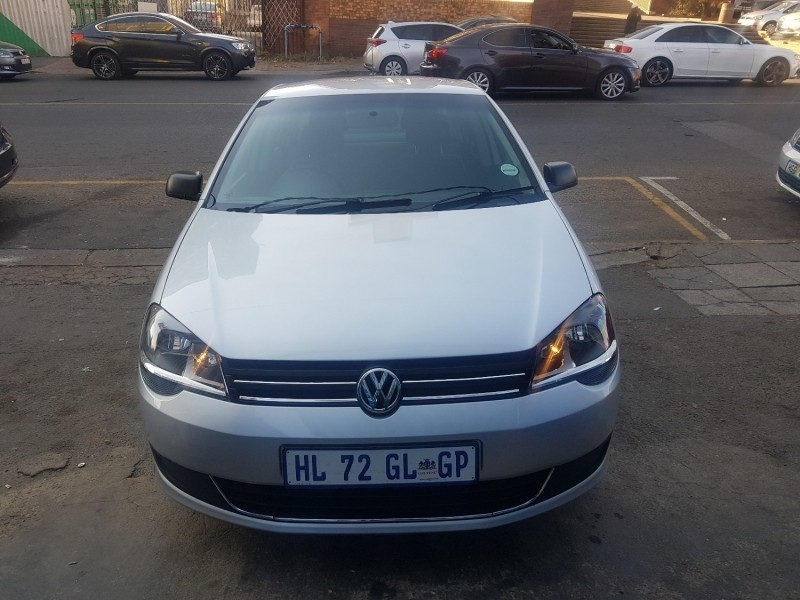 used renault clio iv 900 t dynamique 5 door 66kw for sale in gauteng id 2499146. Black Bedroom Furniture Sets. Home Design Ideas