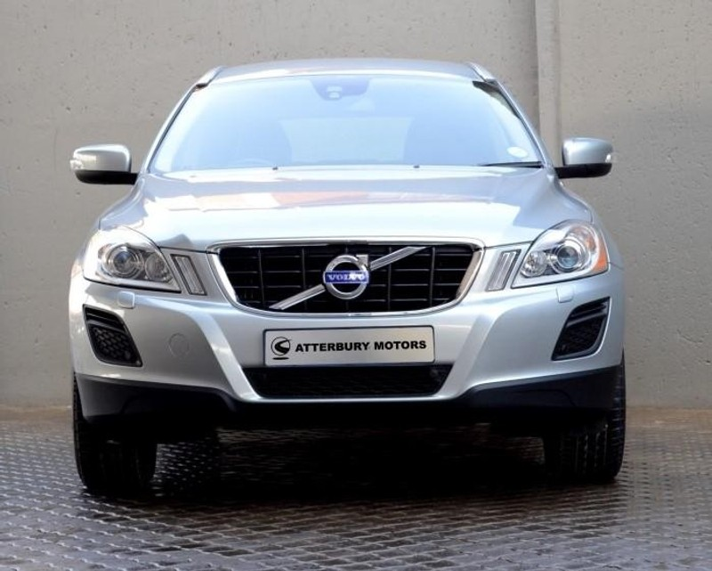 used volvo xc60 d3 geartronic essential for sale in gauteng id 2518588. Black Bedroom Furniture Sets. Home Design Ideas