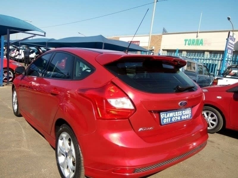 used ford focus built tough for sale in gauteng id 2525830. Black Bedroom Furniture Sets. Home Design Ideas