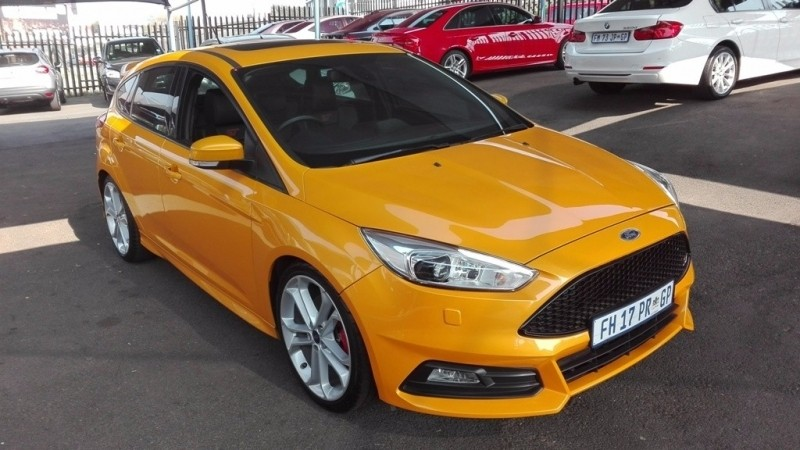 used ford focus 2 0 st for sale in gauteng id 2529392. Black Bedroom Furniture Sets. Home Design Ideas