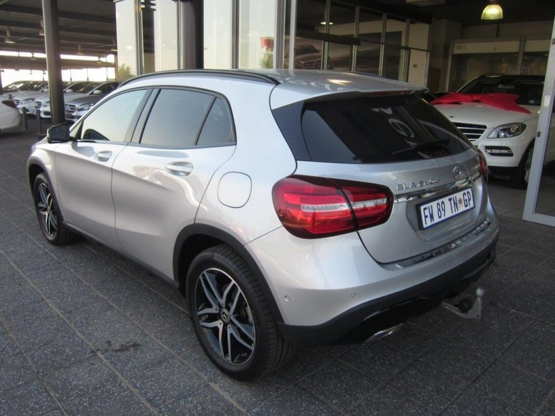 used mercedes benz gla class 200d auto 4matic for sale in gauteng id 2542264. Black Bedroom Furniture Sets. Home Design Ideas