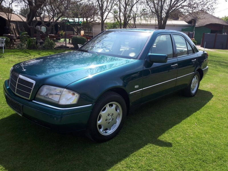 Used mercedes benz c class c220 classic a t for sale in for 1996 mercedes benz c220