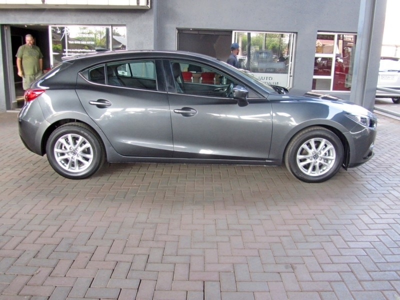used mazda 3 1 6 dynamic 5 door for sale in gauteng id 2562980. Black Bedroom Furniture Sets. Home Design Ideas