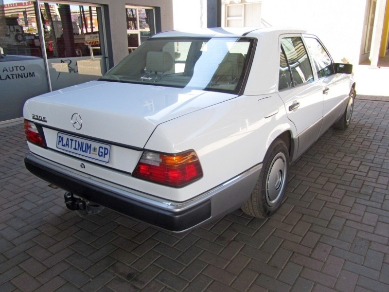 Used mercedes benz e class 230e for sale in gauteng cars for Mercedes benz 230e
