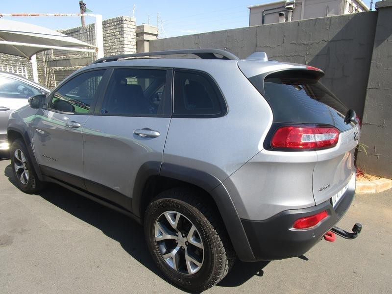 used jeep cherokee 3 2 trailhawk auto for sale in gauteng id 2696220. Black Bedroom Furniture Sets. Home Design Ideas