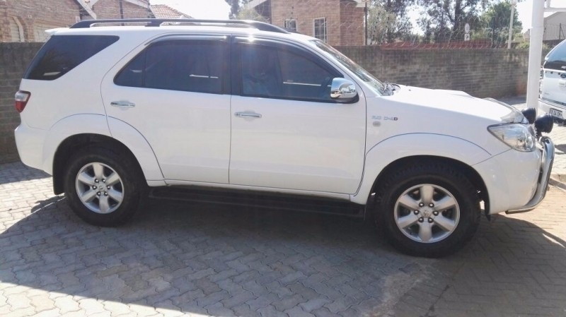 Used Toyota Fortuner 3 0d 4d 4x4 A T For Sale In Gauteng