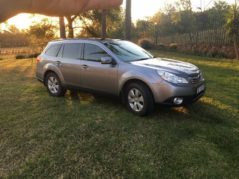 used subaru outback premium for sale in gauteng id 2716652. Black Bedroom Furniture Sets. Home Design Ideas