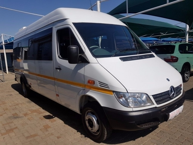 Used mercedes benz sprinter 416 high roof 22 seater for for 2011 mercedes benz sprinter reviews