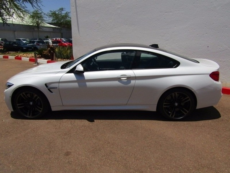 used bmw m4 coupe m dct for sale in gauteng id 2737486. Black Bedroom Furniture Sets. Home Design Ideas