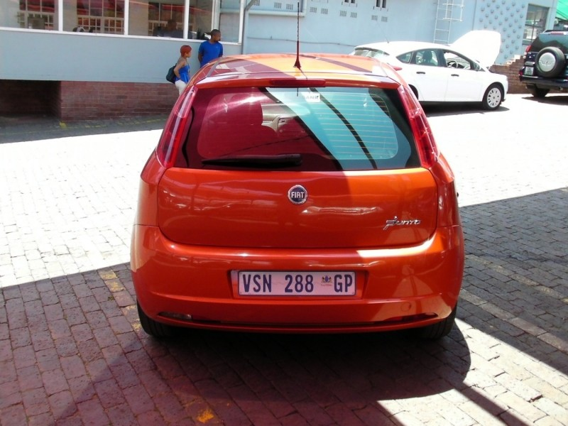 used fiat grande punto 1 4 dynamic 5dr for sale in gauteng id 2759980. Black Bedroom Furniture Sets. Home Design Ideas