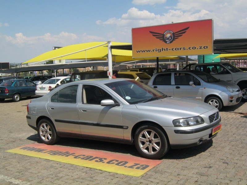 used volvo s60 a t for sale in gauteng id 2760162. Black Bedroom Furniture Sets. Home Design Ideas