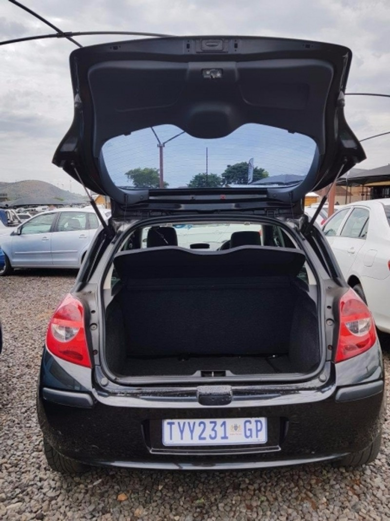 used renault clio 1 5 dci expression for sale in gauteng. Black Bedroom Furniture Sets. Home Design Ideas