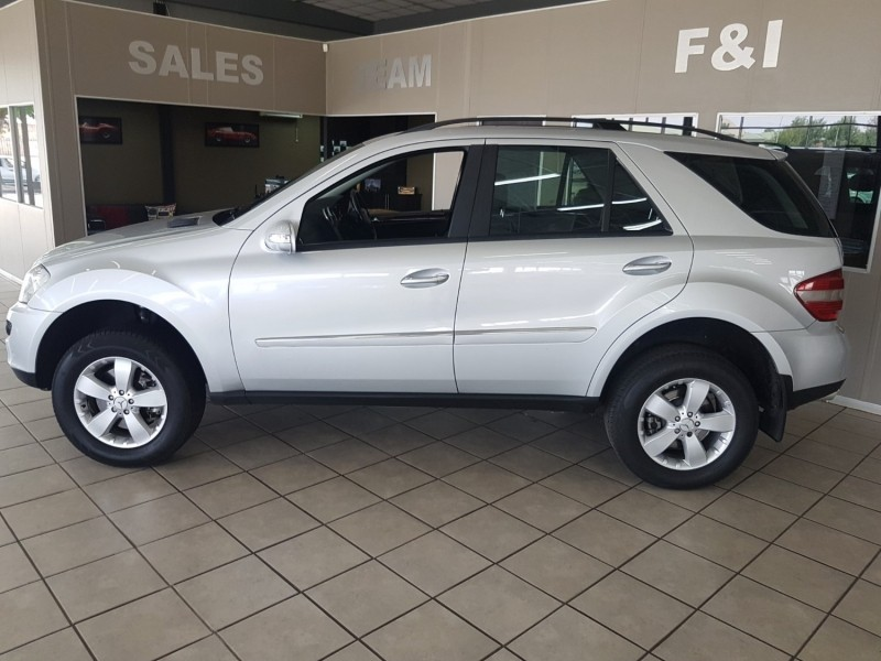 Used mercedes benz m class ml 500 a t for sale in gauteng for Mercedes benz ml 2006 for sale