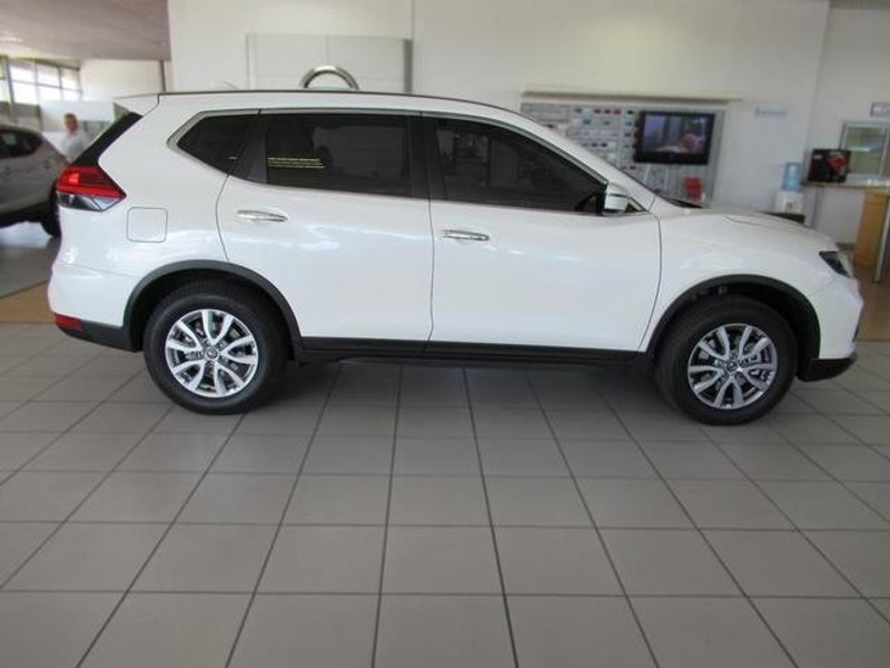 used nissan x trail 2 0 visia for sale in western cape id 2772192. Black Bedroom Furniture Sets. Home Design Ideas
