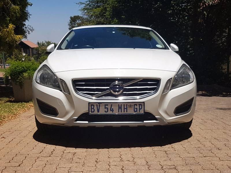 used volvo s60 t6 elite geartronic awd for sale in gauteng id 2777376. Black Bedroom Furniture Sets. Home Design Ideas