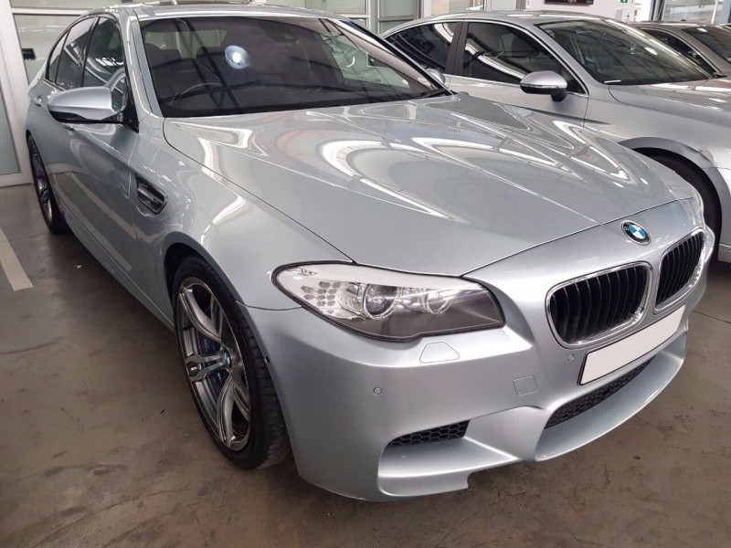 used bmw m5 f10 for sale in gauteng id 2781944. Black Bedroom Furniture Sets. Home Design Ideas