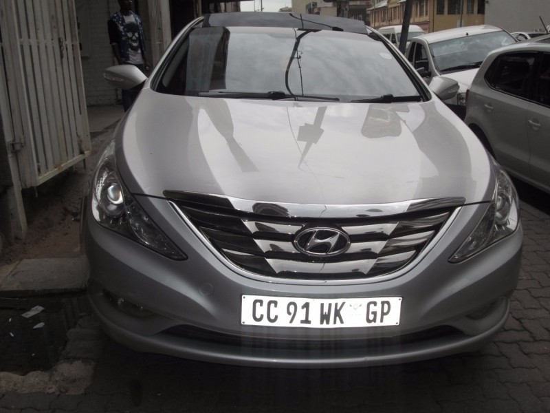 Used Hyundai Sonata 2 4 Gls A T With Doube Sunroof For