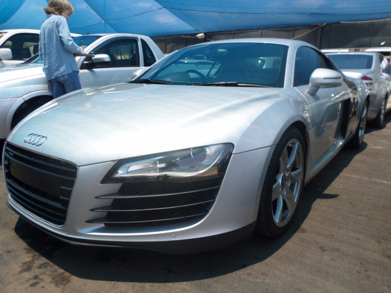 used audi r8 4 2 fsi quattro a t for sale in gauteng id 2824670. Black Bedroom Furniture Sets. Home Design Ideas