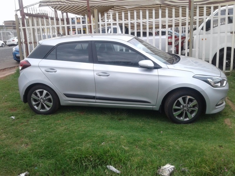 Used Hyundai I20 1 4 Fluid Auto For Sale In Gauteng Cars