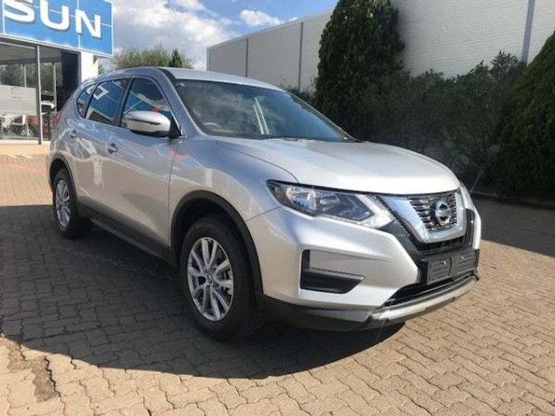 used nissan x trail 2 0 visia for sale in kwazulu natal id 2838066. Black Bedroom Furniture Sets. Home Design Ideas