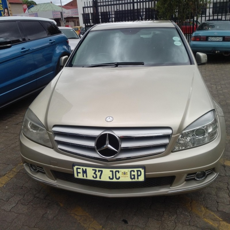 Used mercedes benz c class c180 avantgarde for sale in for Mercedes benz c class used cars for sale