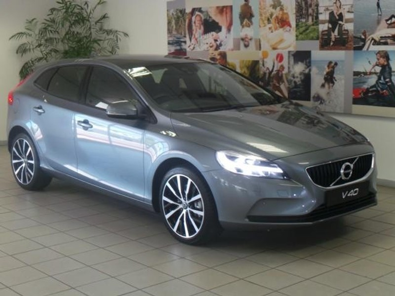 used volvo v40 d3 momentum geartronic for sale in gauteng id 2853246. Black Bedroom Furniture Sets. Home Design Ideas