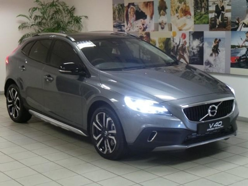 used volvo v40 cc t4 momentum geartronic for sale in gauteng id 2853352. Black Bedroom Furniture Sets. Home Design Ideas